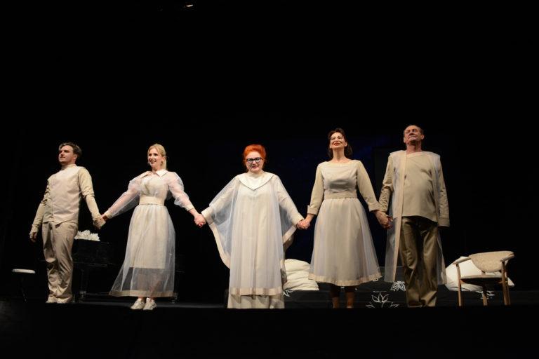 фото з вистави Афінські вечори