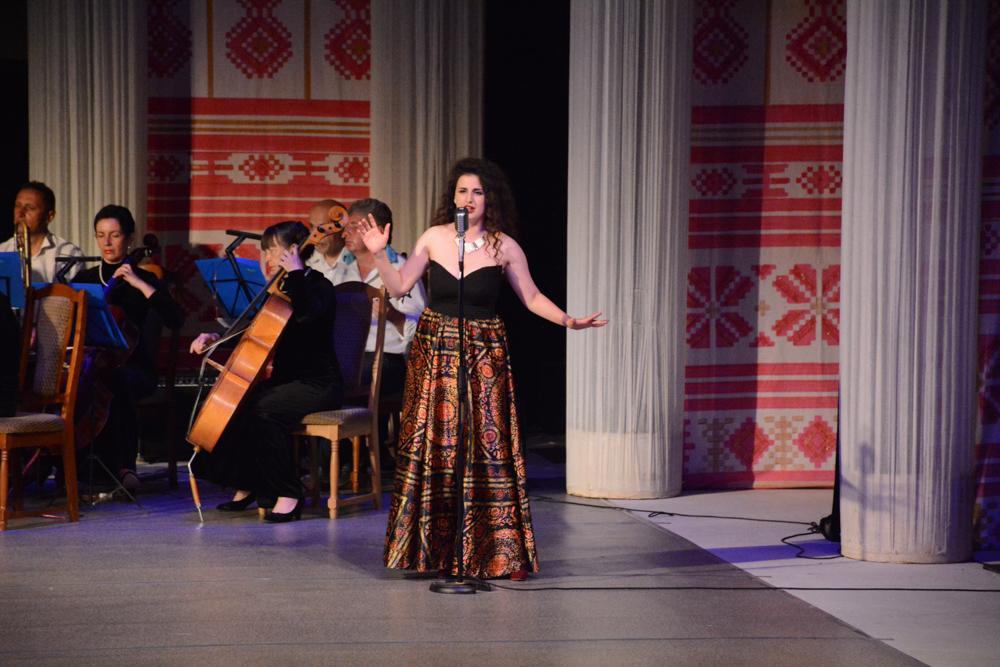 9331 Артисти Національного - Дню Конституції України!